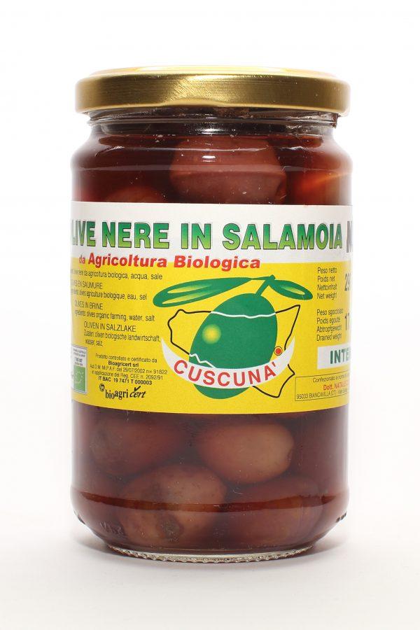 Schwarze Oliven in Salzlake